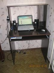 Продаю компьютерный стол.