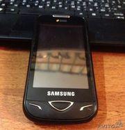 Продаю телефон на 2 сим карты Samsung