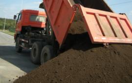 Чернозем для грядок с доставкой 25 тонн,  18 кубов